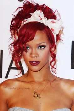 Rihanna red hair updo with pretty polka dot bow.not a fan of her, love the hair! Cabelo Pin Up, Peinados Pin Up, Rihanna Looks, Rihanna Style, Rhianna Fashion, Red Hair Updo, Ringlets Hair, Blonde Hair, Rihanna Red Hair