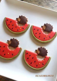 Watermelon and hedgehog cookies Fancy Cookies, Cute Cookies, No Bake Cookies, Cupcake Cookies, Iced Cookies, Bento, Biscotti Cookies, Galletas Cookies, Hedgehog Cookies