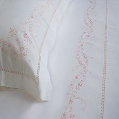 Hand embroidered bed sheet from Ricami e pizzi