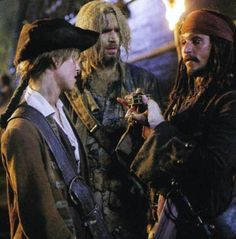 Elizabeth Swann, James Norrington & Jack Sparrow in Dead Man's Chest.