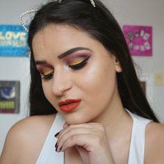 Quer dinheiro em 2017? Tasca amarelo na make manaa! Aqui no perfil tem video tutorial :) #maquiagem #maquiagemx #universodamaquiagem_oficial #pausaparafeminices #beleza #makeup #makeupartist #makeupaddict #makeupmurah #makeupforever #makeupartistsworldwide #beautyblogger #hudabeauty #amrezy #vegas_nay #beauty #wakeupandmakeup #undiscovered_muas #motd #makeupbyme #glam #style #beautyblog #instamakeup #makeuponfleek #beautyguru#loucaspormaquiagem #make4glam #beautyqueens4ever…