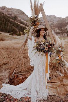 30 Boho Wedding Trends 2020 ❤ boho wedding trends boho bride near wedding arch #weddingforward #wedding #bride