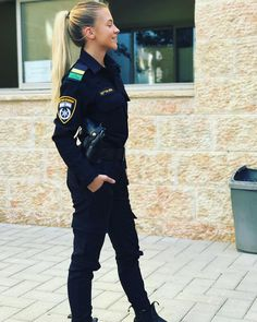📷 Photo by Beauty will save the World Female Cop, Female Soldier, Save The World, Idf Women, Female Police Officers, Army Clothes, Outdoor Girls, Beautiful Young Lady, Army Uniform