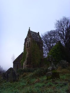 (Source: drunkonshadowsandlostinalie, via faerypotter)  — 4 weeks ago with 2390 notes  #abandoned  #churchyard  #where I want to be