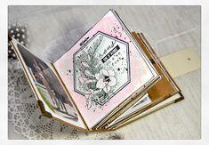 Un mini romantique Mini Album Scrap, Mini Albums Scrapbook, Mix Media, Diy Photo, Minis, Jack Daniels Fudge, Album Book, Tampons, Manualidades