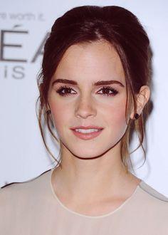 Emma Watson hairstyle and makeup