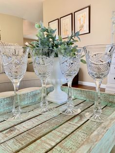 Vintage Crystal Clear Industries Water Goblet / Wine Glass Chardoney Pattern Cut Grape and Cross Hatch Set of 4 Wedding TYCAALAK Crystal Wine Glasses, Pattern Cutting, Mortar And Pestle, Christmas Traditions, Silver Plate, Im Not Perfect, Hammered Copper, Christmas Bells
