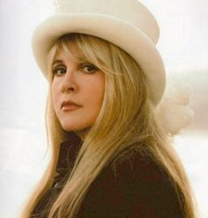 Day 9, A photo of a celebrity you'd love to be best friends with: Stevie Nicks<3