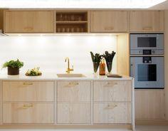 Källdalen Kungsäter Kök Double Vanity, Kitchen Cabinets, Bathroom, Conception, Kitchen Ideas, Home Decor, Velvet, Washroom, Decoration Home