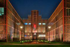 Das Red Dot Design Museum auf Zeche Zollverein in Essen. Aufgenommen als HDR mit 5 Einzelbelichtungen.