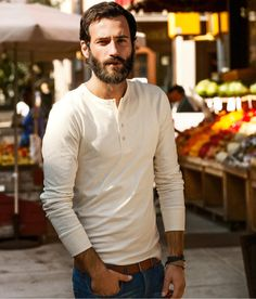 The latest men's fashion including the best basics, classics, stylish eveningwear and casual street style looks. Shop men's clothing for every occasion onli Smart Casual, Men Casual, Latest Summer Fashion, Men Tumblr, Moda Blog, Henley Shirts, Henley Tee, Mens Fall, Beard Styles