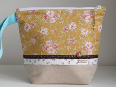 Honey Bee Project Pouch with Natural Trim