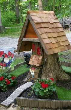 Gnome house from a tree stump.. Home Sweet Gnome. #miniaturefairygardens