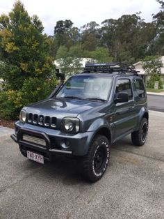 Suzuki Jimny 2005 Looking for the go anywhere Jimny Youve just found it Why spend thousands on accessories when this beauty has it all Features . Suzuki Jimny Off Road, Jimny Suzuki, 4x4, Jimny Sierra, Audi 1, Off Road Camping, Mini Trucks, My Ride, Motors