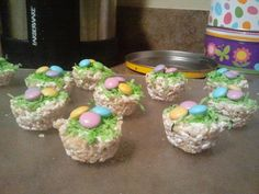 She's Perfectly Imperfect: Easter Snacks cooking ideas for presc., She's Perfectly Imperfect: Easter Snacks cooking ideas for preschoolers cooking ideas for toddlers egg recipes ideas Easter Snacks, Easter Treats, Easter Gift, Easter Recipes, Egg Recipes, Holiday Snacks, Holiday Fun, Holiday Recipes, Festive