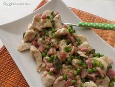Bocconcini di pollo con prosciutto e piselli