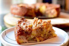 Det er ikke så ofte jeg baker, men når høsten kommer er det ikke mye som er bedre enn en nystekt eplekake. Varm eplekake servert med en liten kule vaniljeis er alltid populært blant både store og s… Sweet Recipes, Cake Recipes, Norwegian Food, Norwegian Recipes, No Bake Cake, Apple Pie, French Toast, Food And Drink, Sweets