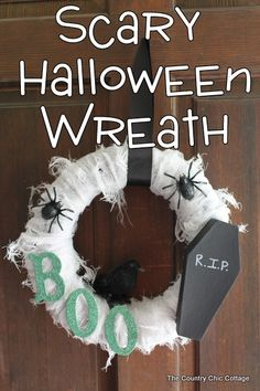 Scary Halloween Wreath - * THE COUNTRY CHIC COTTAGE (DIY, Home Decor, Crafts, Farmhouse)