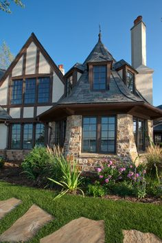 This Traditional Tudor is charming. Interior Design English Style Design, Pictures, Remodel, Decor and Ideas - page 4