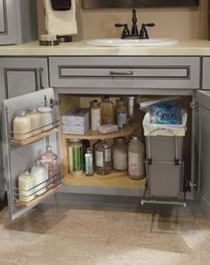 41 Magnificient Kitchen Cabinet Organization Ideas Kitchen organization at its best! See 30 + kitchen ideas to make your life easier. How do they come up with this stuff? Diy Kitchen Storage, Kitchen Cabinet Organization, Kitchen Decor, Organization Ideas, Cabinet Ideas, Small Home Organization, Diy Kitchen Ideas, Under Cabinet Storage, Chef Kitchen