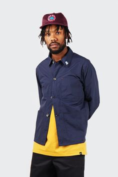 Parra Nylon Worker Shirt - navy blueFit: Regular - shop to sizeMaterial: 100% nylon- Japanese coated nylon- Small 'Parra' embroided on sleeve- Wind and water resistant- Thick engraved buttoned placket- Three pocket front- Cut just below the waist- Includes a small pin- Designed in The NetherlandsBrent wears pants by Dickies, shoes by Reebok, hat and t-shirt by Parra.EXLUSIVE TO GOOD AS GOLD IN NZ