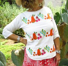 Check out this item in my Etsy shop https://www.etsy.com/listing/533894646/vintage-1960s-1970s-mexican-hand