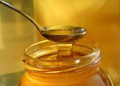 Superfärsk honung kan döda multiresistenta bakterier och bli ett alternativ till anbitiotika. I höst prövas behandlingen på människor med kroniska sår.  Mjölksyrabakterier i färsk honung kan döda antibiotikaresistenta bakterier.