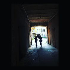 Old town. #vilnius #oldtown #lithuania #balticstates #citytrip #silhouette #passage