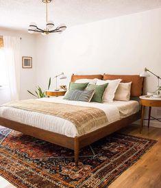 Artist bedroom - Famous Bedroom Ideas with Beautiful Rug Decor – Artist bedroom Artist Bedroom, Modern Eclectic Bedroom, Home, Modern Bedroom Design, Luxurious Bedrooms, Bedroom Inspirations, Modern Bedroom, Mid Century Modern Bedroom Design, Bedroom Carpet