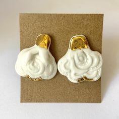 White porcelain rose drops with 18 carat gold on nickel free posts. 1 Rose, Ceramic Studio, Porcelain Jewelry, Carat Gold, White Porcelain, Ceramics, Shapes, Sterling Silver, Handmade