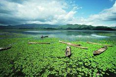 Magnum Photos- Ara Guler INDONESIA. A lake on the island of Sumbawa. 1989.