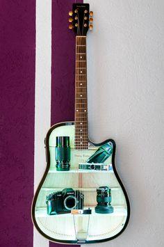 Our diy tip for guitar players!  A customer of Thomann made it :-) #guitar #shelf #shelves #foto  #photographer #photo #camera #crafts #crafting #guitar #guitarist