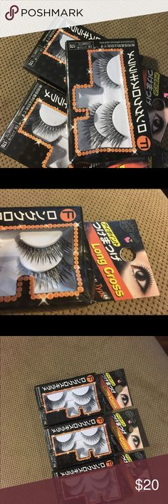 Eyelashes Glue on eyelashes that I got in Japan 🇯🇵 they are shimmery and perfect for holidays or special occasions. Your eyes will really pop with these extravagant lashes! Long Cross Accessories