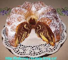 Pruhovaná bábovka Fondant Flower Cake, Fondant Cakes, Fondant Bow, Fondant Tutorial, Fondant Figures, Bunt Cakes, Dog Cakes, Chocolate Fondant, Modeling Chocolate