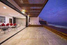 Galería de Casa Unno / DA-LAB Arquitectos - 11 Terraced House, Delta House, Flat Roof, Pergola Kits, Patio, Trellis, Stairs, House Design, Architecture