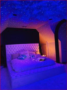 Neon Bedroom, Cute Bedroom Decor, Room Design Bedroom, Room Ideas Bedroom, Galaxy Bedroom, Decor Room, Bedroom Inspo, Chill Room, Cozy Room