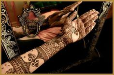 Selected Bridal Mehndi Designs 2014 for Pakistani and Indian Brides: In India it is the traditional item for Bridal girls to made new and unique styles M