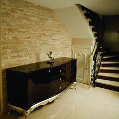 Mozaicul din Travertin Classic Scapitat este alegerea ideala pentru a aduce un plus de stil casei tale.