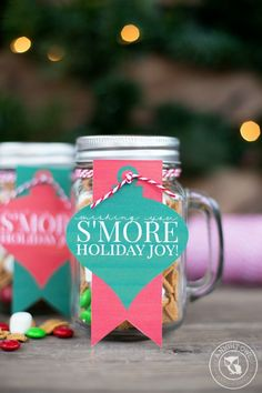 These adorable DIY gifts in a jar are just the thing for any event or holiday! Create one of these gifts in a jar for any of the loved ones on your list! Creative Homemade Gifts, Diy Gifts In A Jar, Mason Jar Gifts, Easy Gifts, Cool Gifts, Neighbor Christmas Gifts, Christmas Gifts For Friends, Homemade Christmas Gifts, Personalized Christmas Gifts