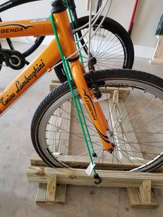DIY bike rack for truck Wood Bike Rack, Diy Bike Rack, Bicycle Rack, Bike Parking Rack, Truck Bike Rack, Bike Racks For Trucks, Hat Storage, Bike Storage, Rack Velo