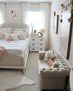 Beautiful Girls Bedroom Ideas for Small Rooms (Teenage Bedroom Ideas. Little Girl Bedroom Ideas For Small Rooms Small Girls Bedrooms, Teen Girl Rooms, Teenage Room, Teenage Girl Bedrooms, Small Room Bedroom, Small Bedroom With Couch, Bedroom Decor, Bedroom Ideas For Small Rooms For Teens For Girls, Bedroom Girls