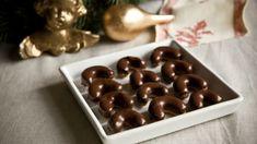 Babiččiny čokoládové rohlíčky. Už leta nejoblíbenější cukroví moje a většiny rodinných známých, které ostatní vánoční cukrátka zastiňovalo. Pudding, Fresh, Food, Custard Pudding, Essen, Puddings, Meals, Yemek, Avocado Pudding