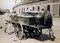 Melkboer met hondenkar Cannon, Antique Cars, Guns, Labrador, Antiques, Vehicles, Cart, Dog, Nice