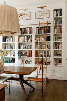 Home Interior Design — At home library – Bookshelf Decor Home Library Design, Home Design, Home Interior Design, Design Ideas, Home Library Decor, Design Inspiration, Interior Stylist, Home Libraries, Deco Design