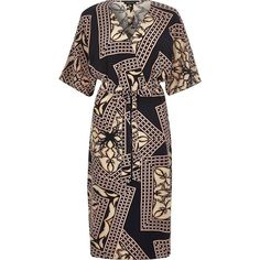 River Island Blue print kimono sleeve dress ($96) ❤ liked on Polyvore featuring dresses, blue, day / t-shirt dresses, women, blue dress, crepe dress, print dress, tshirt dress and vneck tshirt dress