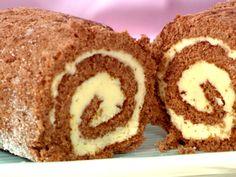 Drömtårta - rulltårta med smörkräm Chocolate swiss roll with buttercream Dairy Free Treats, Sandwich Cake, Swedish Recipes, Swedish Foods, Sweet And Salty, Desert Recipes, No Bake Desserts, Let Them Eat Cake, Cake Recipes
