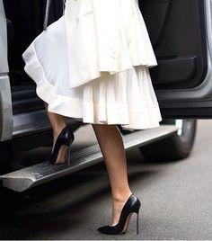 Fashion Mode, Street Fashion, Fashion Shoes, Girl Fashion, Looks Style, Style Me, List Style, High Heels Boots, Hot Heels