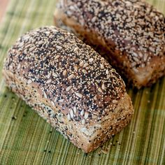 White and black sesame seeds, along with sunflower seeds -- both inside and out -- add great crunch and a rich, nutty flavor to this seeded wheat bread. Dinner Rolls, Tortillas, Traditional Bread Recipe, Pizza Pastry, Biscuits, Seed Bread, Bread Toast, Whole Wheat Bread, Artisan Bread