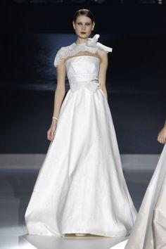 #sexi #love #jeans #clothes #coat #shoes #fashion #style #outfit #heels #bags #treasure #blouses #wedding #weddingdress #weddingday #weddingcelebration #weddingwoman Romantická kolekcia svadobných šiat bez použitia nadýchaných tylových sukní - KAMzaKRÁSOU.sk