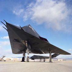 The Nighthawk Stealth Fighter has been stored at Tonopah Test Range Airport since 2008 and may be being buried in marked graves in the Nevada desert. Stealth Aircraft, Stealth Bomber, Fighter Aircraft, Military Jets, Military Aircraft, Air Fighter, Fighter Jets, Air Force, Aircraft Design